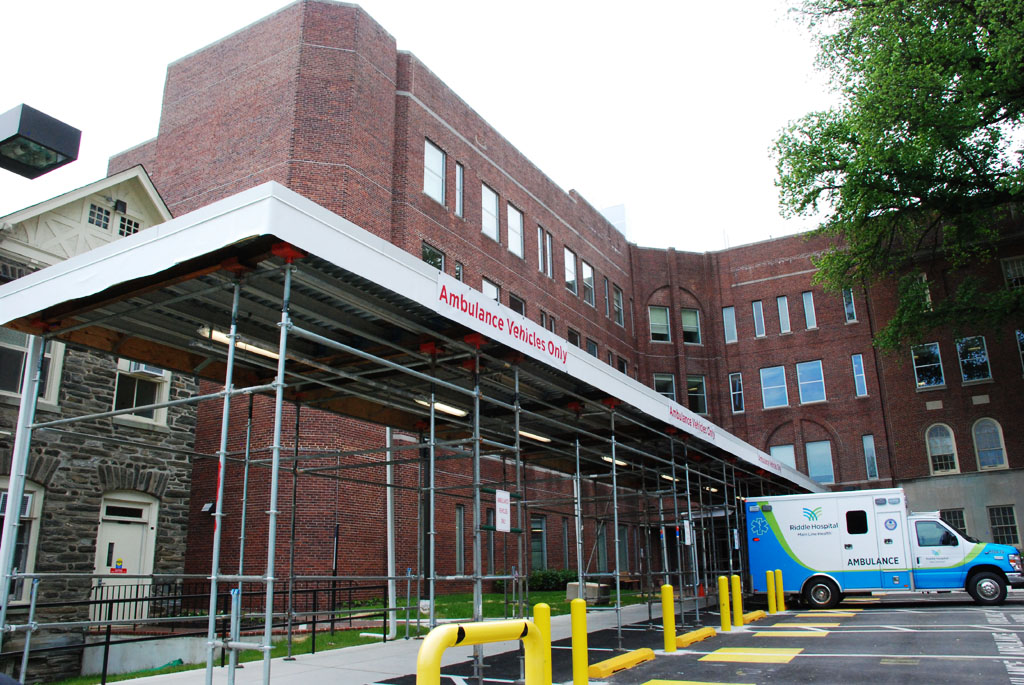 Bryn Mawr Hospital Emergency Entrance Canopy | Superior Scaffold Services : overhead canopy - memphite.com