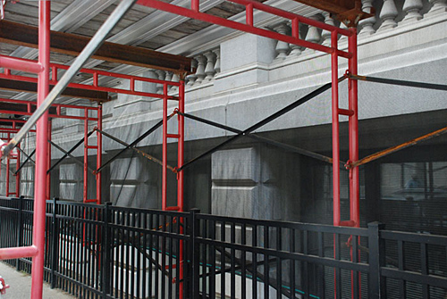 10th & Chestnut, frames, overhead protection, Superior Scaffold, 215 743-2200, rental