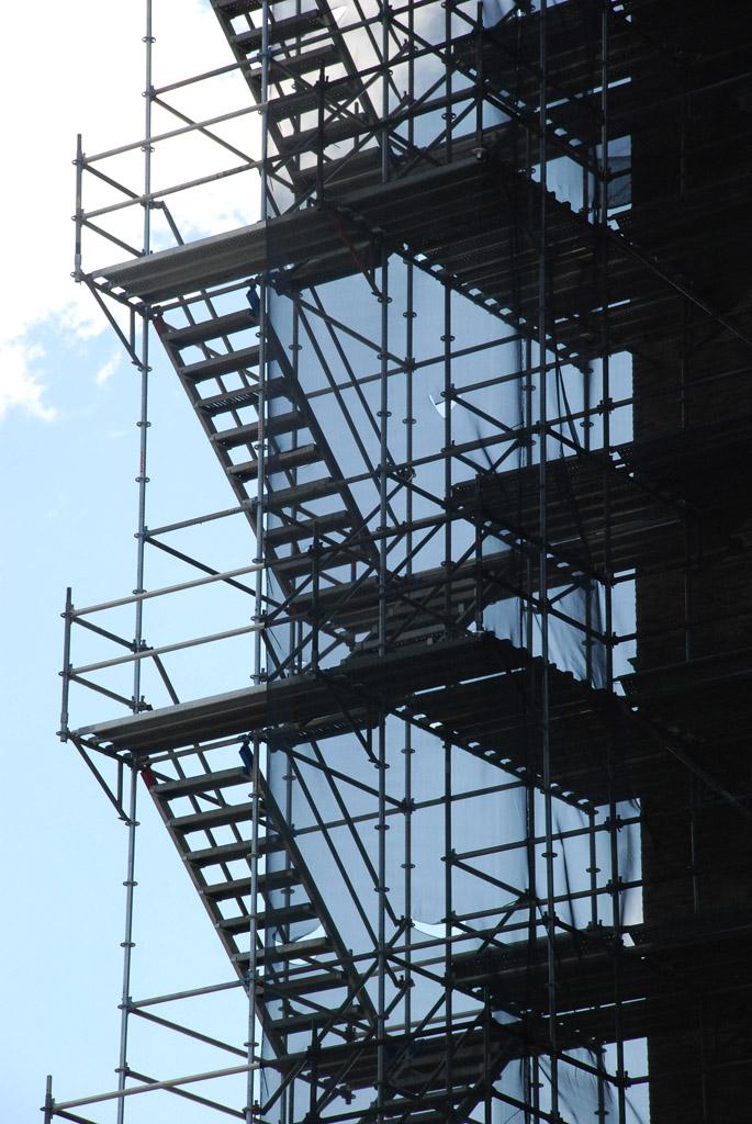 scaffolding, scaffold, superior scaffold, 215 743-2200, philadelphia, pa, de, md, nj, new jersesy, shoring, renovation, masonry, construction, divine lorraine, 028