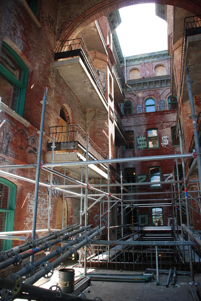 scaffolding, scaffold, superior scaffold, 215 743-2200, philadelphia, pa, de, md, nj, new jersesy, shoring, renovation, masonry, construction, divine lorraine, 093