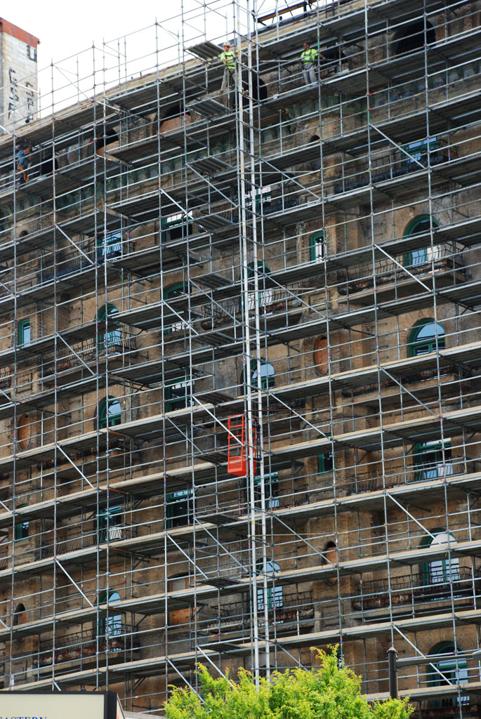 scaffolding, scaffold, superior scaffold, 215 743-2200, philadelphia, pa, de, md, nj, new jersesy, shoring, renovation, masonry, construction, divine lorraine, 193