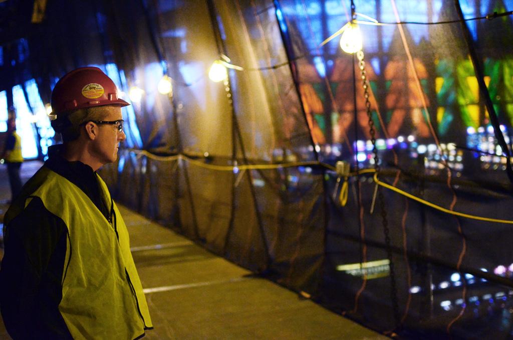 Seneca Niagara Casino, Niagara Falls, NY, Superior Scaffold, scaffolding, multipoint suspended scaffold, equipment, rent, 215 743-2200