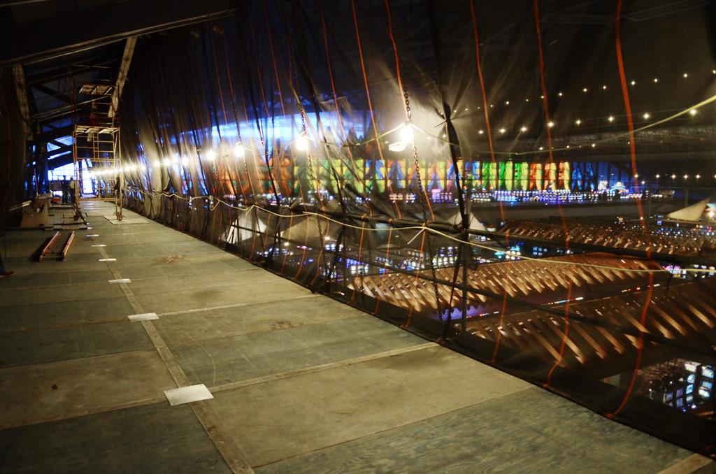 Seneca Niagara Casino, Niagara Falls, NY, Superior Scaffold, scaffolding, multipoint suspended scaffold, equipment, rents, 215 743-2200