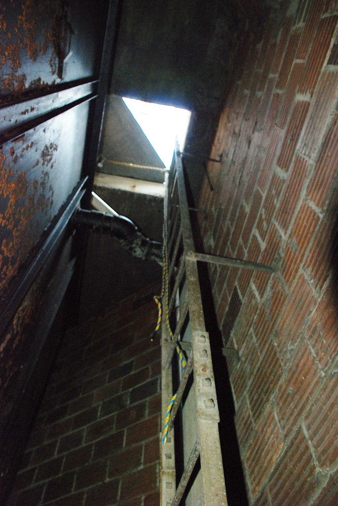 Access to the roof